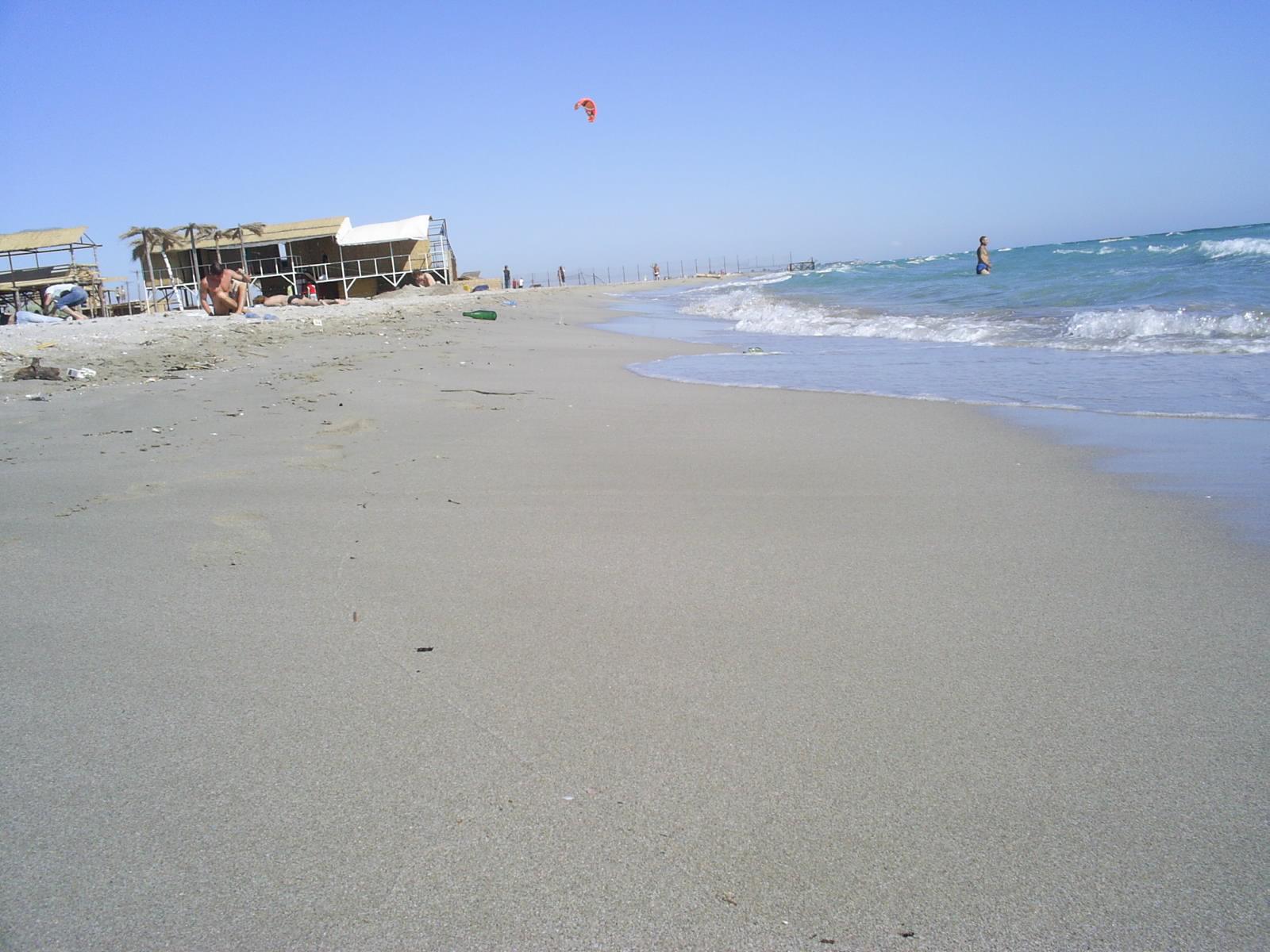 Фото на пустынном пляже 10 фотография