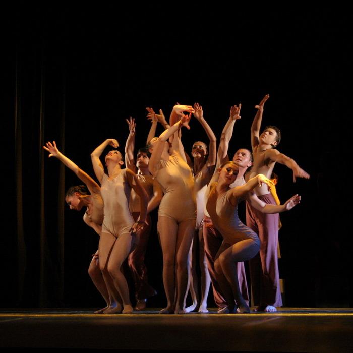 Девушки голые в балете видео надо