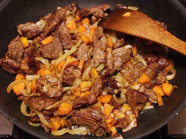 Секрет рецепта приготовления настоящего узбекского плова в казане.
