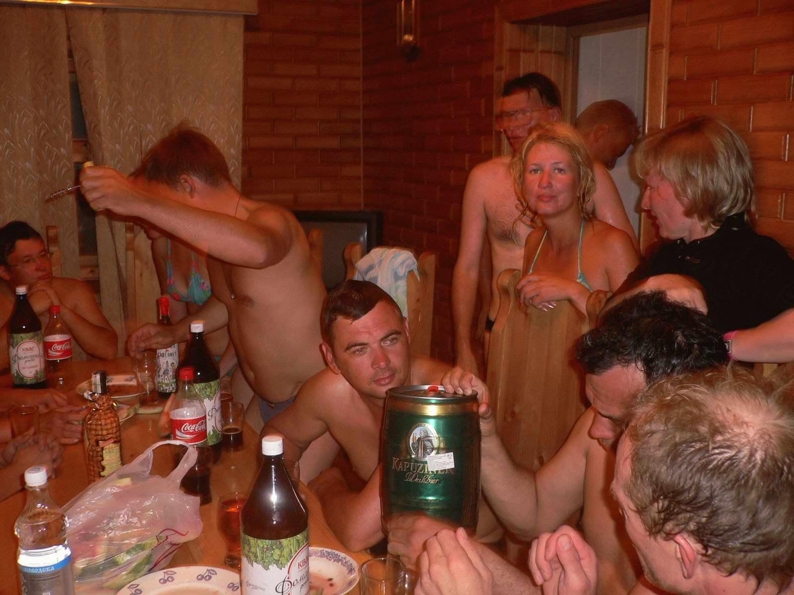 Пьяные и голые оргии фото 18-284