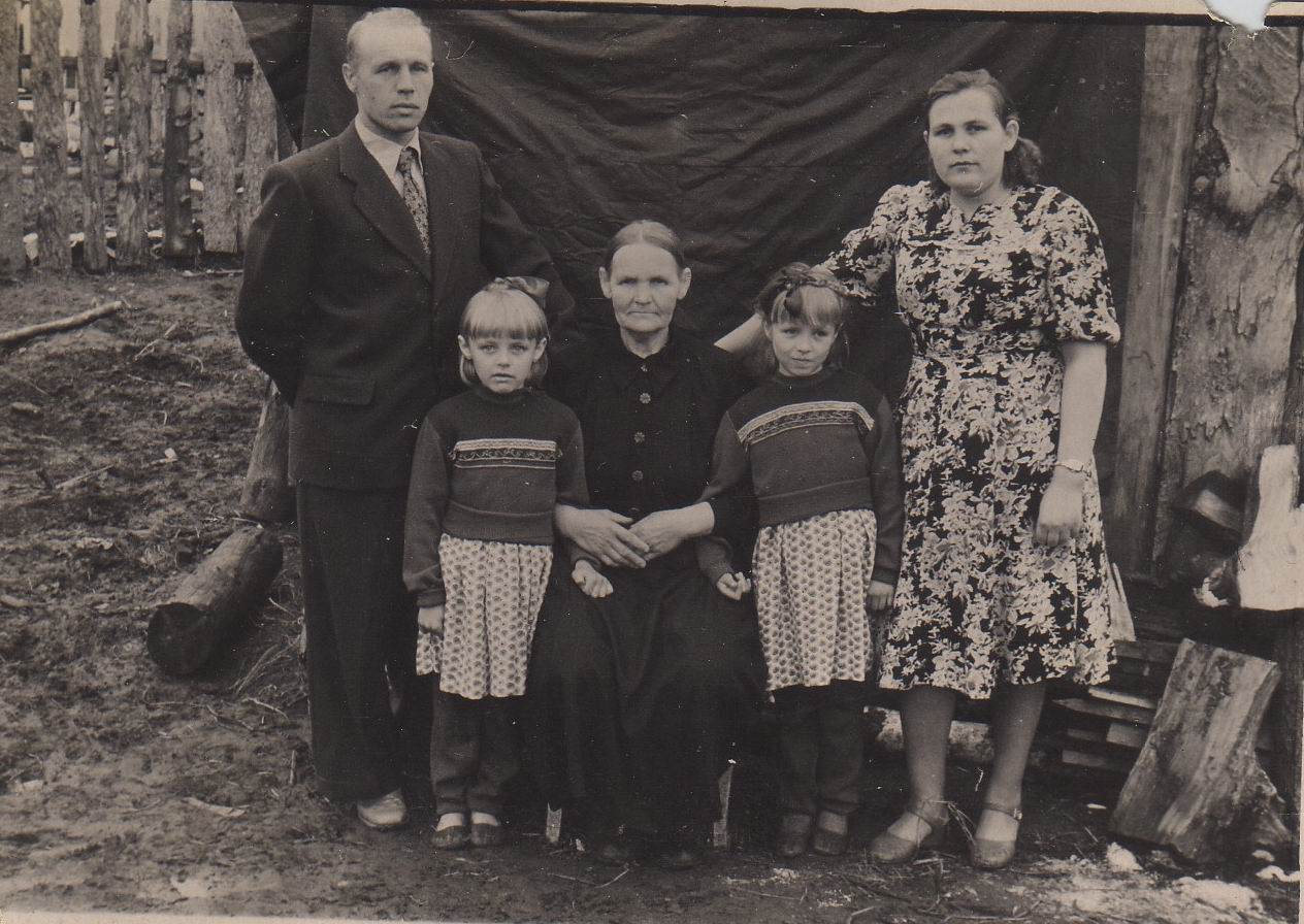 Фото старих бабушек 4 фотография