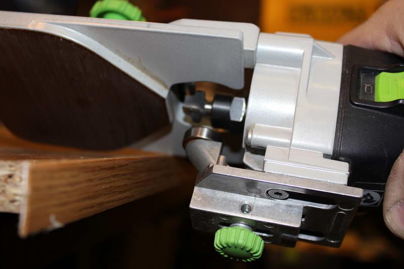 Фрезерный станок для снятия свесов кромки своими руками 52