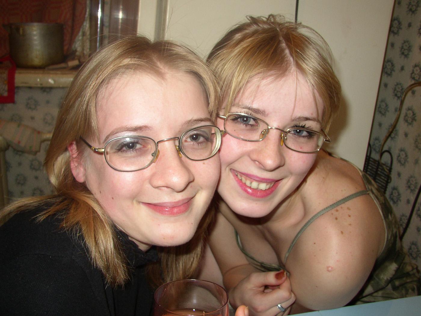 Сестры домашние фото