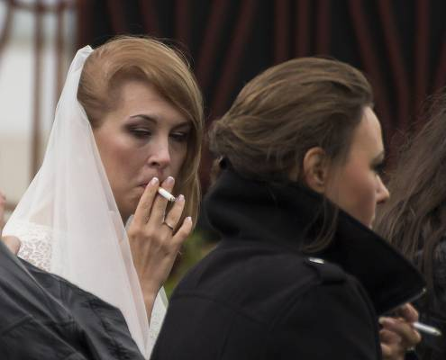 фото невесты курят